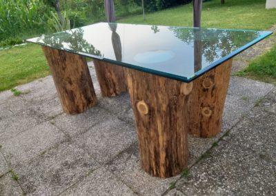 Tavolo in legno e vetro
